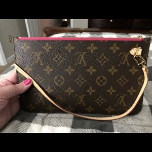 Louis Vuitton Neverfull MM Pouch - new in Pivoine